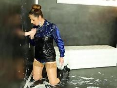 Wet messy gloryhole glamour slut bathes in cum tube porn video