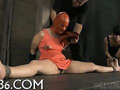 Cruel torture for beauty's twat