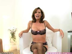 Gorgeous milf Veronica Avluv drives a man crazy with a terrific blowjob
