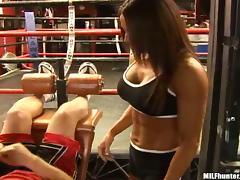 Booty sporty girl is enjoying that huge dagger tube porn video
