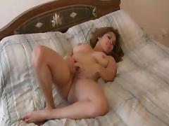 Amateur chubby chick masturbates trimmed puss