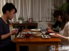 Banging Japanese Wife Yuu Kawakami's Pussy after Dinner tube porn video