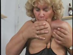 German BBW granny masturbates herself loudly tube porn video