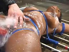 Sexy ebony lust gets her legs wide open from some spraying