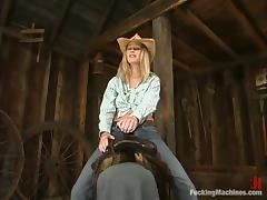 Sexy cowgirl is loving that amazing penetration tube porn video