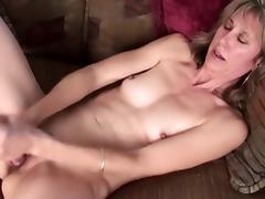 Pretty Mature Having Some Pussy Fun