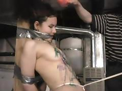 Sexy attendant Shikira gets waxed throughout walk out on her body