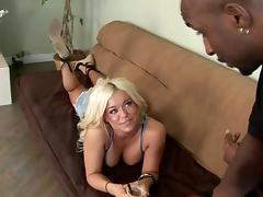 Curvy blondie Krista Moore loopings surrender be beneficial to a black challenge