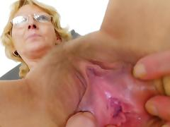 Anna shows absent her unsahved puss in the cam tube porn video
