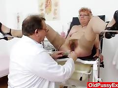 Mature cunny examined by someone's skin Gynecologist tube porn video