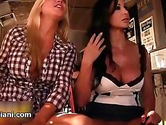 Sexy blonde together with tenebrous babes realize horny