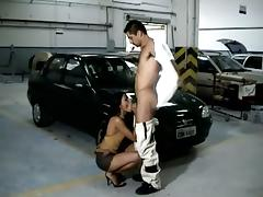Black skank enjoys some naughty banging with her BF anent the garage