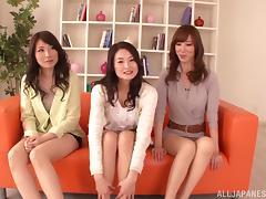 Foot talisman with three blue Japanese chicks