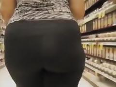 Following my wifes big booty