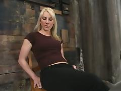 Flexible blondie Bobbi Dean gets tied up and tortured hard