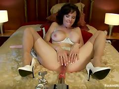 Fucking Machine Banging Veronica Avluv's Cunt on the Bed tube porn video