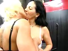 Lesbische Omas - Teil 1 tube porn video