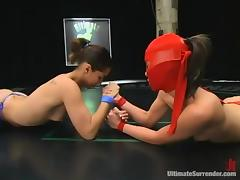 Bitch in mask is giving her opponent a sexy lesson tube porn video