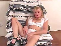 Rubbing Of Her Hairy Cunt Before Wild Cock Riding
