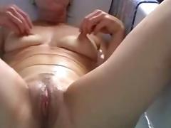 Belgian mature slutwife works in the bathroom tube porn video