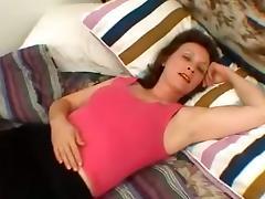 Amateur Mature Slut Got Filmed How She Doing Handjob