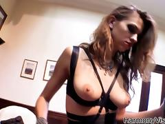 Greeting her sex slave with a knot and some pain