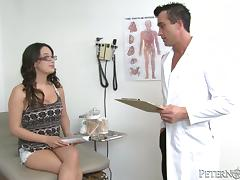 Doctor adventures with a sizzling brunette patient
