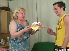 birthday cake and a surprise from my wifes mom