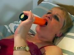 Curly Granny R20 tube porn video