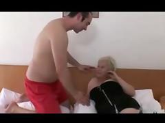 Blonde Granny with Bid Titts R20
