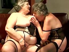 Mature chicks are playing with their toys tube porn video