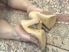 Masha Sweet Feet