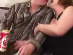 Hairy Mature Takes the Cum in Her Clam tube porn video