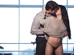 Attractive Megan Salinas And Giovanni Francesco Goes Hardcore Glamorously
