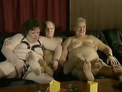 Oma und Opa  im Swingerclub tube porn video