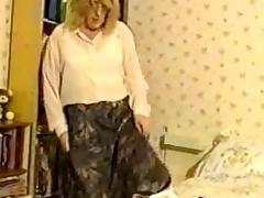 Grannyslut in girdle