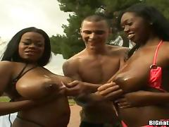 Yummy Jasmin And Her GF Do A Crazy Threesome With A White Dude