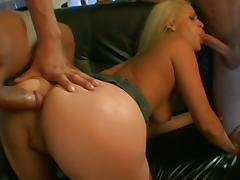 Two fuckers are drilling slender blonde Mia Banggs