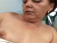Curly aged woman likes to fuck!