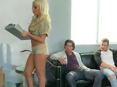 Two Guys Fuck the Hot Blonde Deliver Girl's Shaved Pussy