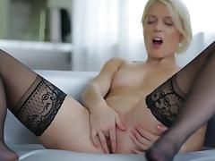 Blonde Sweet Cat shows off her naked body tube porn video