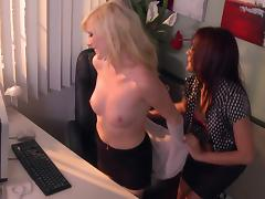 Succulent Elaina Raye And Kaylani Lei Have Sex At The Office tube porn video