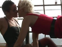 Stunning lesbian couple fucks so freaking good