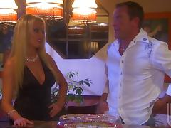 Cuvy Housewife Gives a Blowjob and Handjob