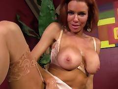 Juicy Veronica Avluv Masturbates In A Backstage Video