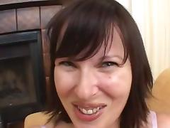 Spectacular Essy Serves A Yummy Blowjob In An Amateur Video