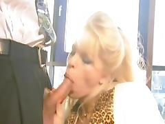 Amateur blonde Dolly Golden is sucking a dick