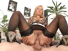 Blonde milf Daria Glower is sucking porn tube video