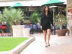 Fearless Hottie in High Heels Gets Buck Naked in Public