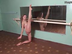 Rita Luganskaja - Gymnastic Video tube porn video